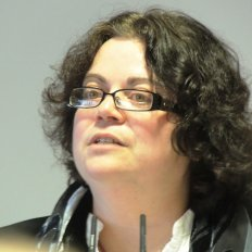 Dr Mary McAuliffe